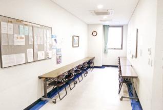 広島西区柔道整復師・鍼灸師 朝日医療専門学校 広島校施設・設備「自習スペース」