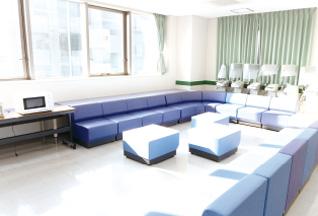 広島西区柔道整復師・鍼灸師 朝日医療専門学校 広島校施設・設備「多目的自習室」